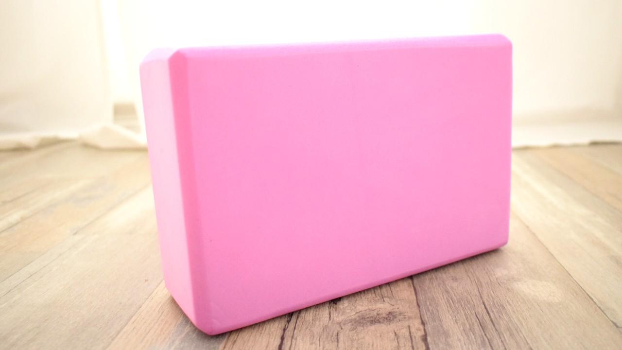 růžový jóga blok